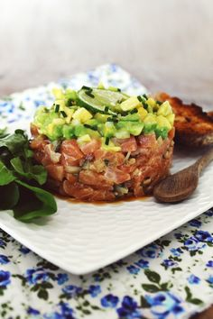 Tartar de salmão com abacate   Blog Figos & Funghis