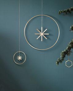 Metallic minimalist Holiday style