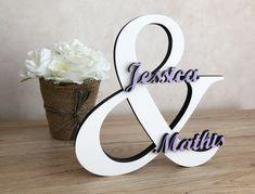 Décoration en bois signe & avec prénoms - sigle, lettre géante à poser pour mariage