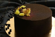 Entremet with coffee ganache, chocolate cremeux and coffee caramel. Delicious Recipes, Yummy Food, Caramel, Homemade, Chocolate, Baking, Coffee, Cake, Desserts