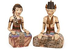 Hand-carved Indonesian prince and princess statues with exquisite detail, hand-painted on all four sides.
