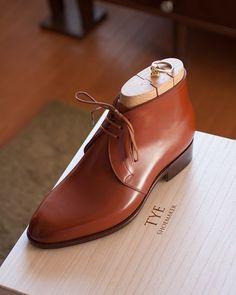 TYE shoemaker @tyeshoemaker Picture courtesy of @tyeshoemaker #bespokemakers #bespokeboots #tyeshoemaker http://ift.tt/2sIgpfc