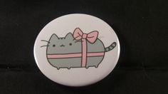 Pusheen's Gift Button Badge - RM3.50