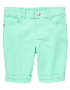 Fun and fashionable, our skinny Bermuda shorts have a stylish fit and a fun, girly color. In comfy cotton denim, she'll be ready to play all day.