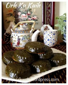 A Steamed Cake That Brings Fond Memories–Black Tortoise Cake or O Ku Kueh (黑龟粿) | GUAI SHU SHU