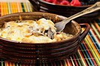 Julienne With Juicy Chicken and Mushrooms in a Creamy Sauce Hot Appetizers, Stuffed Mushrooms, Stuffed Peppers, Creamy Sauce, Yum Yum Chicken, Desert Recipes, Soup And Salad, Great Recipes, Kitchen