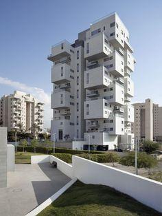© Dana Polo  Architects: Amir Mann–Ami Shinar Architects and Planners Location: Holon, Israel Project Team: Ami Shinar, Bark Levy, Serge Ferman. Lobby Interiors: Zigie Zohar Area: 2500.0 sqm Year: 2013