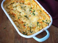 Deze bloemkool Mac 'n Cheese is een perfecte koolhydraatarme 'guilty pleasure'. Bij veel mensen leeft het idee dat als je koolhydraatarm, glutenvrij of vegetarisch...