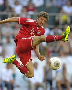"""Thomas Müller is a player that can play in many different positions. He also does so in many… interesting ways. (laughs)"" Bastian Schweinsteiger on Thomas Müller"