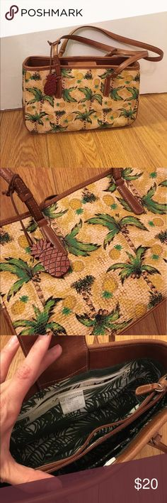 Pineapple Beachy Vacation Purse Pineapple Beachy Vacation Purse. Liz Clairborne. Unknown age due to purchasing at a thrift store in Los Angeles. Liz Claiborne Bags Mini Bags