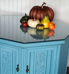 """Octagon end table hand painted with Agave colored chalk paint. #octagontable #endtable #sidetable #nightstand #livingroomfurniture #livingroomdecor #livingroom #furnituremakeover #furnitureflip <a data-pin-do=""""buttonBookmark"""" data-pin-save=""""true"""" href=""""https://www.pinterest.com/pin/create/button/""""></a>"""