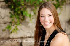 11 makeup tips every photographer should know | ClickinMoms -- good to keep in mind for family portaits, etc.
