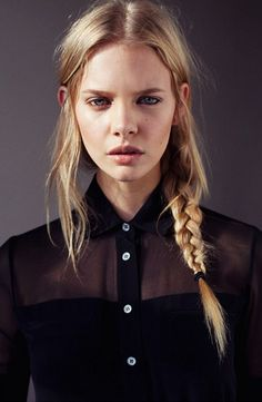Red Carpet approved. A fishtail braid paired with a black shirt has a element of fun and date night elegance. #dating #fashiontip