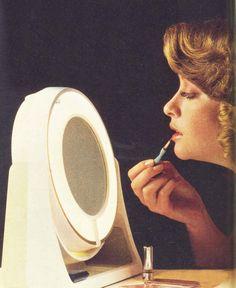 The-Seventies-Face--Make-up-for-1971