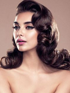 Hollywood wedding glam hair  we ❤ this!  moncheribridals.com  #longweddinghair #vintageweddinghair #bridalhair