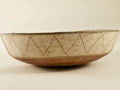 Escudilla de paredes rectas. El Olivar. Diaguita Inca. Cerámica. Colección Norte Chico.
