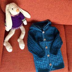 #Cardigan #toddler Vraag mij, ik brei   #tegendonatie #NAH #breiNwerk #breien  #knitting #kinderkleding #kidswear #homemade #withlove #knitwear  #nietaangeborenhersenletsel #knittersofpinterest #nahproject #breipatroon #breieninopdracht #wol #wool #naturalmaterials Instagram @brei_n_werk