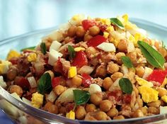 Salada de grão-de-bico Healthy Life, Healthy Eating, Portuguese Recipes, Chana Masala, Fried Rice, Meal Planning, Clean Eating, Food And Drink, Favorite Recipes