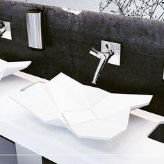 Eumarin Origami design-pesuallas. #OrigamiBasin #ConceptBathroom #LuxuryBathroom #Origami #GeometricDesign #eumar #kylpyhuone #pesuallas #sisustus #koti #yritysmyynti #seinajoki #design #moderni