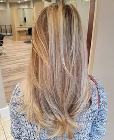 40 Picture-Perfect Hairstyles for Long Thin Hair Long Bronde Hair With Layers Long Fine Hair, Long Layered Hair, Long Hair Cuts, Long Bronde Hair, Thin Blonde Hair, Medium Blonde, Blonde Balayage, Balayage Hairstyle, Lange Blonde