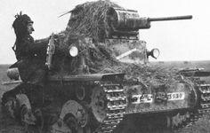 Carro L6/40 mimetizzato con fogliame - fronte russo