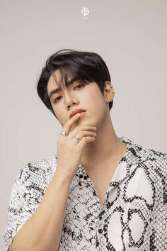 Korean Entertainment Companies, Profile Photo, Boy Groups, Eye Candy, Instagram, Women, Pop, Bts Jimin, Collections