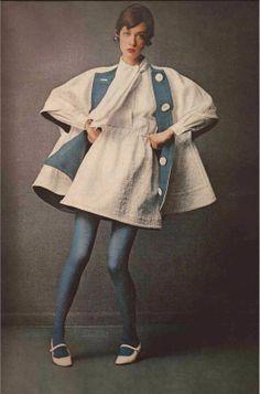 1968 Harper's Bazaar March Model Moyra Swann in Rudi Gernreich 60s And 70s Fashion, Mod Fashion, Vogue Fashion, Vintage Fashion, Womens Fashion, Female Fashion, Twiggy, Top Fashion Magazines, Look 2017