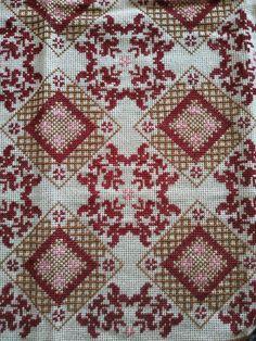 Gallery.ru / Фото #102 - 3/2/2019 - ergoxeiro Cross Stitch Charts, Cross Stitch Embroidery, Cross Stitch Patterns, Diy And Crafts, Bohemian Rug, Crochet, Design, Decor, Fabrics