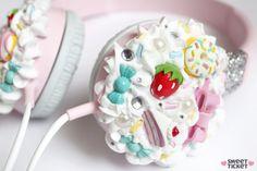DIY decoden headphones. Makes sense why I appreciate decoden bc I love art and food. I want to eat these headphones.