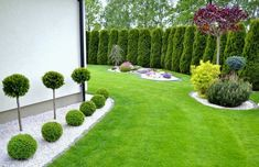 Steal these cheap and easy landscaping ideas for a beautiful backyard. Get our best landscaping ideas for your backyard and front yard, including landscaping design, garden ideas, flowers, and garden design. Small Front Yard Landscaping, Front Yard Design, Outdoor Landscaping, Modern Landscaping, Landscaping Ideas, Mulch Ideas, Driveway Landscaping, Landscaping Plants, Backyard Garden Design
