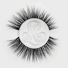 Mink False Eyelashes Tips & Hacks from the Minki Lashes Queen - Minki Lashes - Best Mink Eyelashes Eyelash Tips, Eyelash Brands, Wispy Lashes, Faux Lashes, False Eyelashes Tips, Mink Eyelashes, Shaggy Hair, Hair Patterns, Hacks