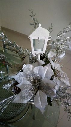 Christmas Lanterns, Christmas Centerpieces, Christmas Wreaths, Christmas Decorations, Table Decorations, Holiday Decor, Winter Wonderland, Art Projects, Ideas Bonitas