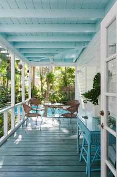 The Tropical Cottage: At Home in Coconut Grove 02