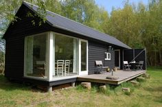 Amazing small house on Small House Bliss The Længehus (Longhouse) is a small modular home from Denmark. Manufactured by Møn Huset, it consists of modules that are a standard width of 4.66 m (15'3″) but come in various lengths. Customers choose a bedroom module, a kitchen/bath module and a living room module. These are joined by a ...