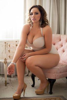 #LasMujeresRealesTienenCurvas - #RealWomenHaveCurves: curvesinlingerie: jolie.de
