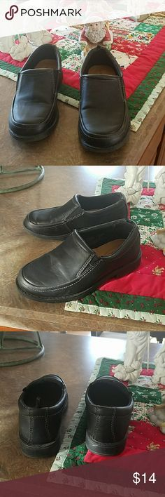 Boys dress shoes, sz 13 These black dress shoes are in great condition,  cushioned insole and elastic on top for a more comfortable fit, all material man made George Shoes Dress Shoes
