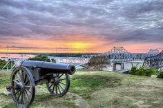 Vicksburg,Vicksburg MS,Vicksburg Mississippi,Mississippi River Bridge,Vicksburg Bridge,sunset,sunrise,sunset over the Mississippi,The Mississippi River,southern,the deep south,southern accents,deeply southern,JC Findley,cannon,civil war canon,confederate cannon,canon