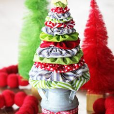 Learn how to make a fabric yo yo Christmas tree with this easy tutorial and free templates to help you along the way. A fun Christmas sewing project idea! Craft Tutorials, Sewing Tutorials, Sewing Patterns, Felt Flower Tutorial, Wreath Tutorial, Christmas Crafts, Christmas Tree, Christmas Fireplace, Christmas Ideas