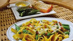 Pappardelle with Sugar Snap Peas and Pancetta - Grandparents.com