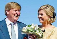 27-Feb-2013 7:39 - 9:00 UUR LIVE: PRESENTATIE PLANNEN AMSTERDAM 30 APRIL. Amsterdam maakt bekend wat er op 30 april bij de troonswisseling staat te gebeuren. In een persconferentie doet burgemeester Eberhard van der Laan de festiviteiten uit de doeken.
