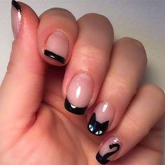 Amazing and Creative Halloween Nail Art Designs Love this minimal black cat French manicure nail art for Halloween.Love this minimal black cat French manicure nail art for Halloween. Cat Nail Art, Cat Nails, Nail Art Diy, Coffin Nails, Halloween Nail Designs, Halloween Nail Art, Spooky Halloween, Pretty Halloween, Halloween Ideas