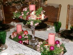 Green, Gold, Pink Christmas Day Tablesetting