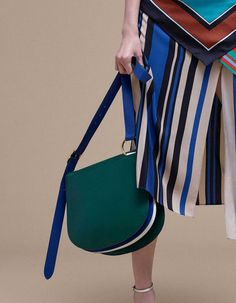 The 25 Best Bags of New York Fashion Week Spring 2017 Use E Abuse, Latest Bags, Bags 2017, New York Fashion, Fashion Boots, Michael Kors Bag, Bag Accessories, Bag Design, Women Bags