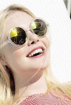 Los lentes de espejo son perfectos para complementar tu look veraniego. #teens #adolescente #moda