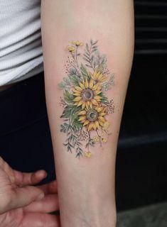 Sunflower 🌻 tattoo sunflower foot tattoos, sunflower tattoo sleeve, b Time Tattoos, New Tattoos, Body Art Tattoos, Small Tattoos, Sleeve Tattoos, Cool Tattoos, Tattoo Hip, Tatoos, Outer Forearm Tattoo