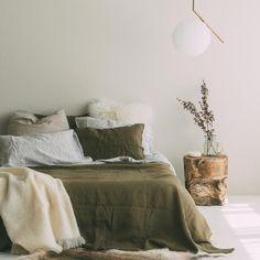 A&C Flax Linen Duvet Cover – Olive Green – HOME – einrichtungsideen wohnzimmer Bedroom Inspo, Home Bedroom, Master Bedroom, Bedroom Decor, Olive Green Bedrooms, Bedroom Green, Olive Bedroom, Green Bedding, Minimalist Bedroom