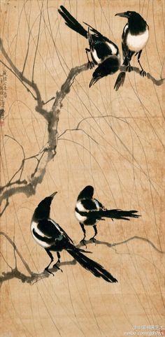 "Xu Beihong (徐悲鴻) ,  picture of four birds. 徐悲鸿每日乐此不疲地进行西洋画的基本功训练,上午在巴黎美术学校学习,下午去叙里昂研究所画模特儿,有时还抽空去观摩各种展览会。此期间他有幸结识了著名画家柯罗的弟子艺术大师达仰,每星期日携画到达仰画室求教。达仰""勿慕时尚,毋甘小就""及注重默画的艺术思想对他影响较大,使得他没有追随当时法国日渐兴盛的现代派画风,而是踏踏实实地钻研欧洲文艺复兴以来的学院派艺术,在继承古典艺术严谨完美的造型特点的同时,掌握了娴熟的绘画技巧。留学4年之后,徐悲鸿的绘画水平已达到可与欧洲同时期的艺术家相媲美的地步,其油画作品《老妇》入选法国国家美术展览会(沙龙)。"