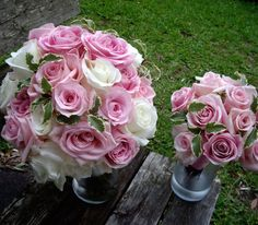 Pretty Pink and White Rose Bouquets, Garden on the Square #wedding #savannahwedding #southernwedding