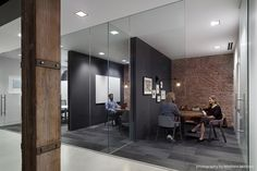 Weebly, a popular platform that allows anyone to start a high-quality website or a blog, has recently moved into a new 33,000 square-foot office space located in San Francisco's SoMa ... Read More