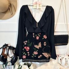 Simple Summer to Spring Outfits to Try in 2019 Skirt Outfits, Chic Outfits, Spring Outfits, Trendy Outfits, Fashion Outfits, Skirt Fashion, Love Fashion, Korean Fashion, Fashion Looks